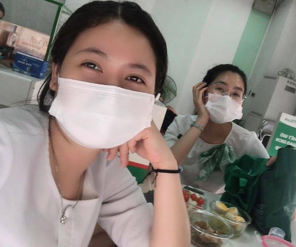 2 cô gái VPBank tình nguyện vào vùng dịch Hải Dương phục vụ