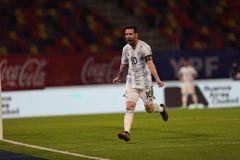 Messi lập công, Argentina vẫn bị Chile cưa điểm