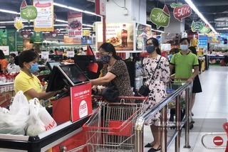 Xin tiêm vắc xin cho hàng vạn bà tạp hoá, chủ sạp chợ, nhân viên siêu thị