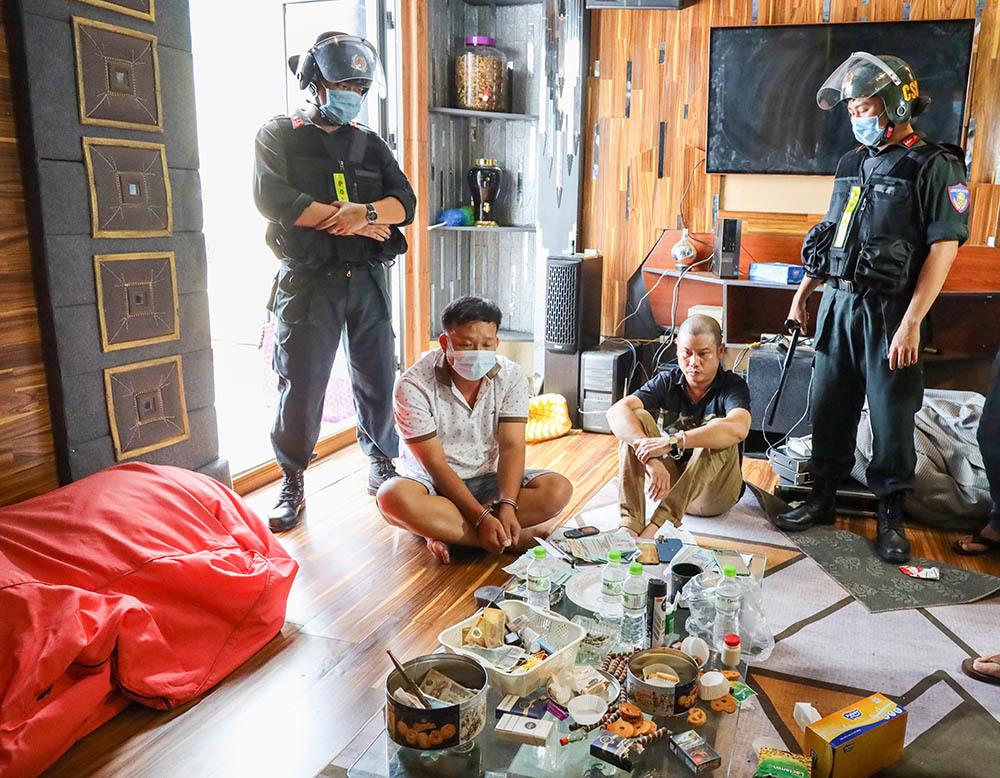 120 cảnh sát bắt điểm đánh bạc, ma túy của Phương 'cối' và Nghĩa 'cọp'