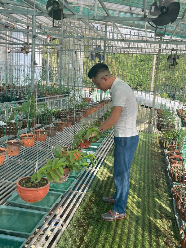9x điển trai mách 'công thức' đặc biệt chăm sóc hoa lan