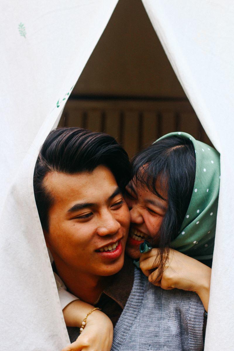 7 điều cặp đôi hạnh phúc hay làm trên giường ngủ