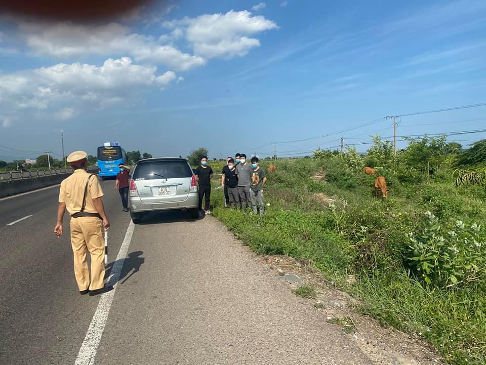 CSGT Bình Thuận phát hiện 6 người Trung Quốc nghi nhập cảnh trái phép