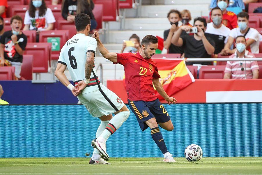 Ronaldo im tiếng, Bồ Đào Nha hòa may mắn trước Tây Ban Nha