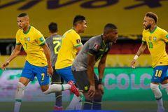 Video bàn thắng Brazil 2-0 Ecuador