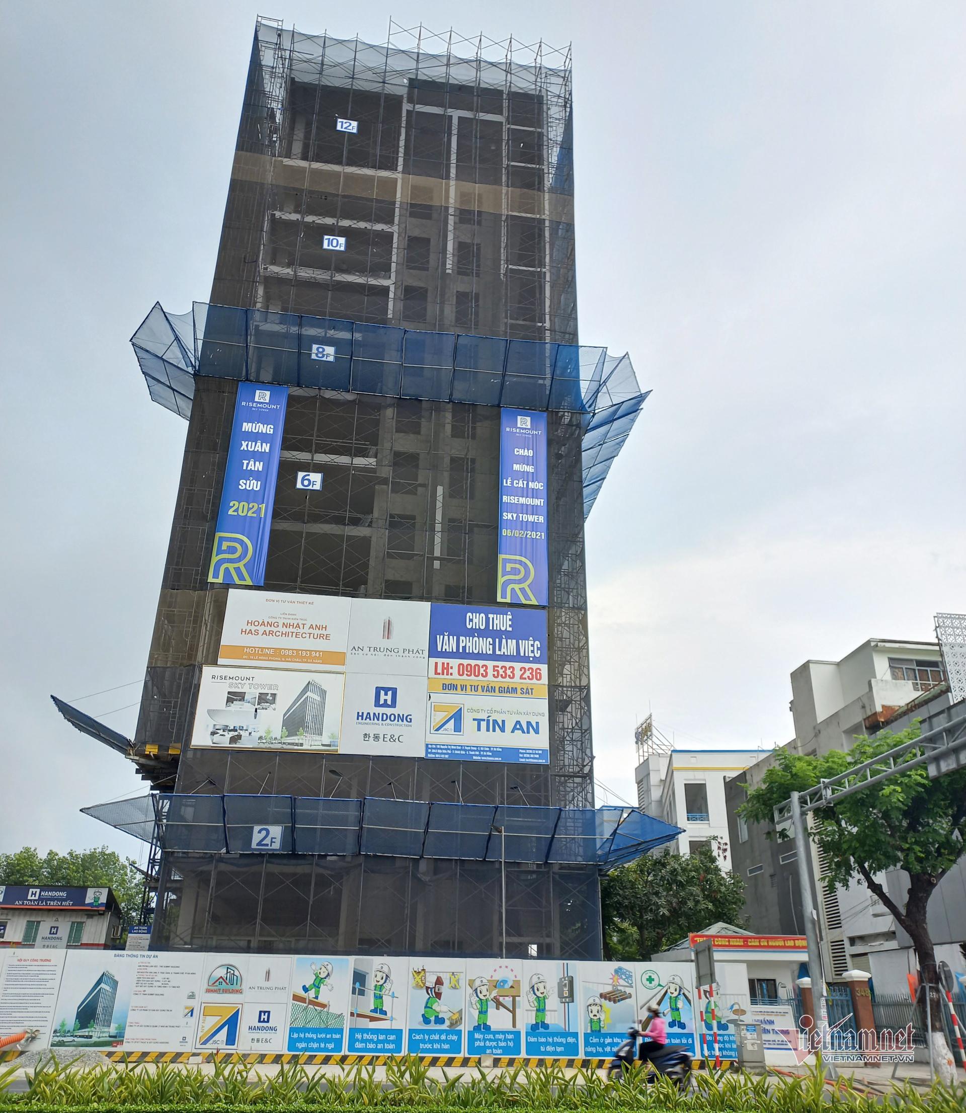 Cao ốc giữa trung tâm Đà Nẵng xây sai giấy phép bị phạt 150 triệu đồng
