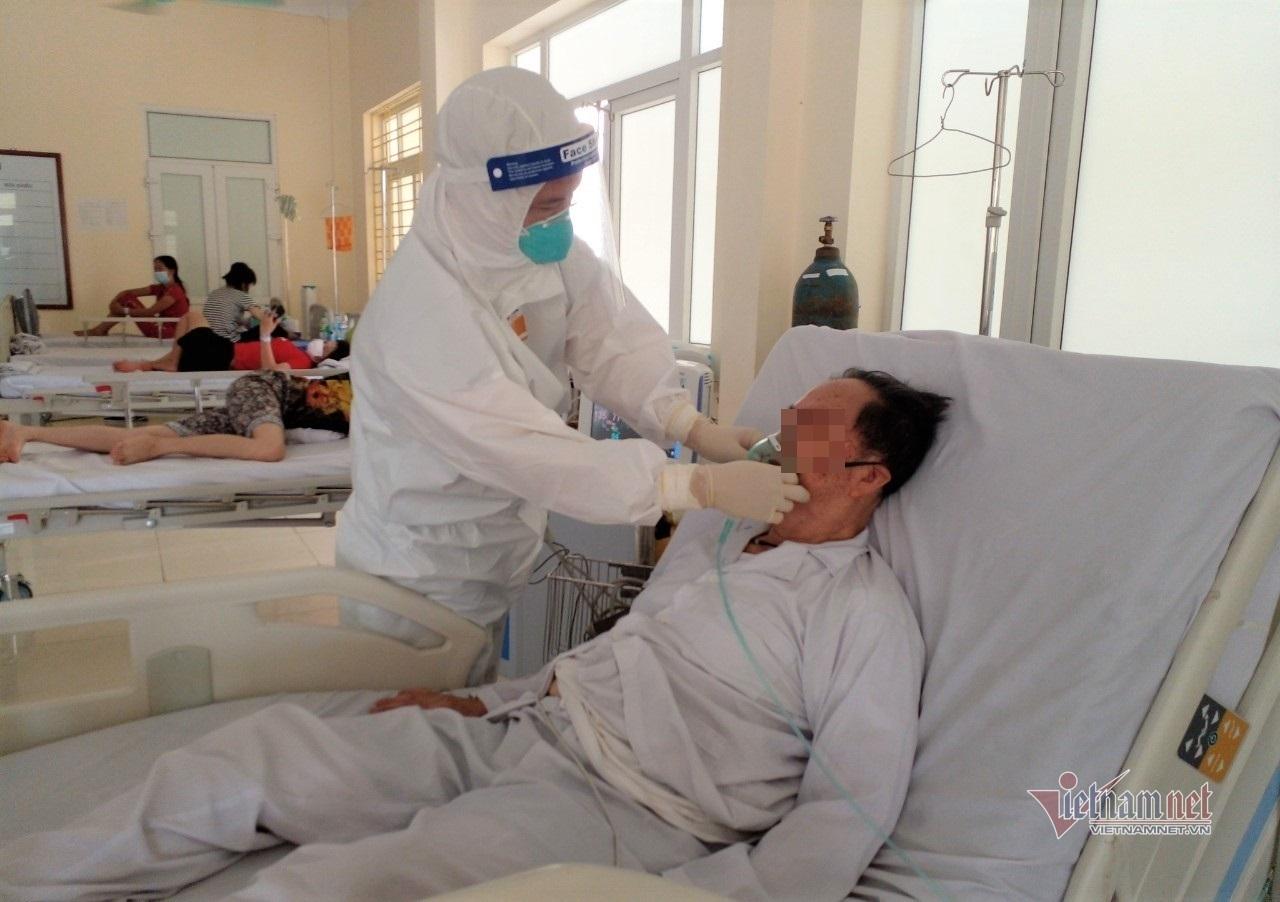 Bác sĩ quân y sáng tạo bệnh án điện tử cho Bệnh viện dã chiến điều trị Covid-19