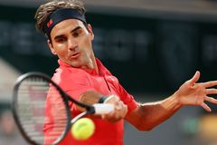 Roger Federer rút lui khỏi Roland Garros