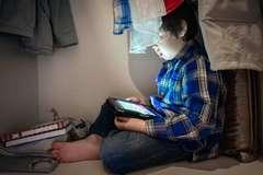 9 biểu hiện của một đứa trẻ nghiện màn hình