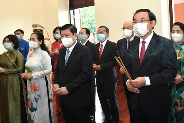 HCMC leaders remember President Ho Chi Minh's national salvation journey