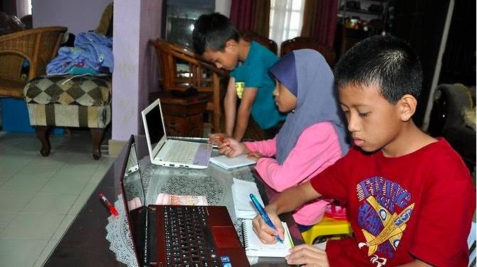 Tất cả trường học ở Malaysia dạy trực tuyến trong học kỳ mới