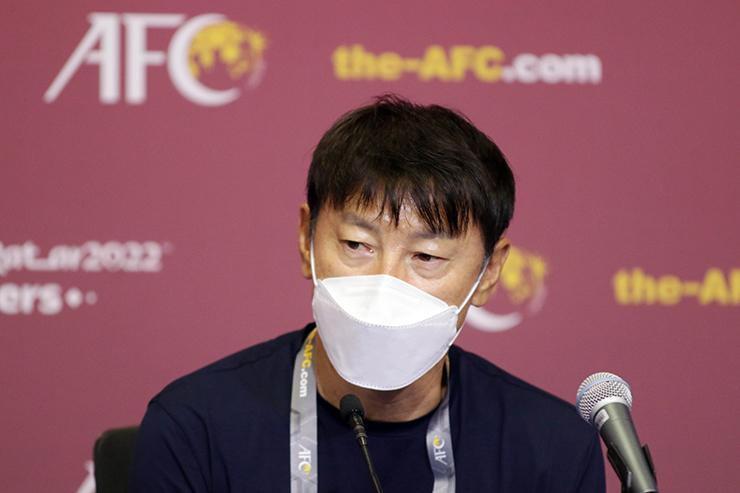 HLV Shin Tae Yong: 'Đối đầu với ông Park rất thú vị'
