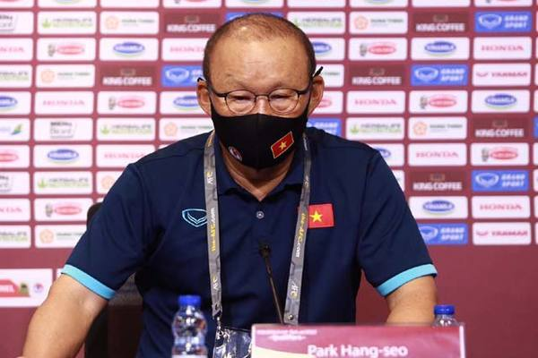 HLV Park Hang Seo: Thắng Malaysia mới tính đến UAE