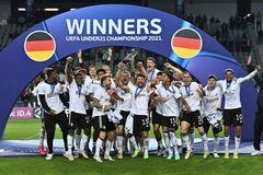 Hạ đàn em Ronaldo, Đức lần thứ 3 vô địch U21 châu Âu