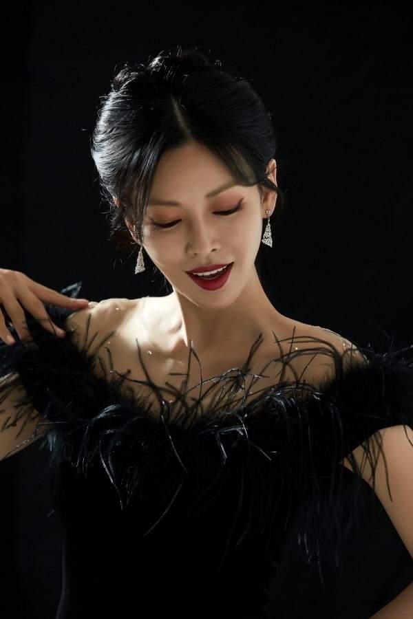 Ác nữ màn ảnh xinh đẹp khiến khán giả vừa sợ vừa thích