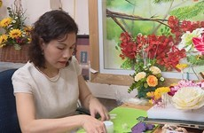 Artisan turns clay into charming flowers