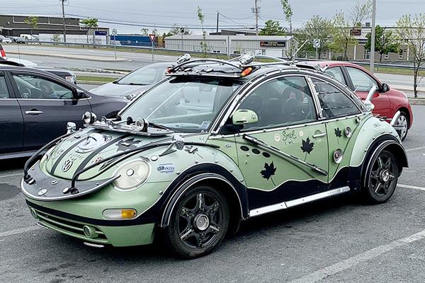 """""""Con bọ"""" của Volkswagen được độ hầm hố như trong phim"""