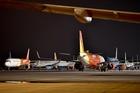 """Khách giảm sốc, hàng loạt máy bay nằm """"đắp chiếu"""""""