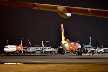 Drop in number of passengers, many planes abandoned