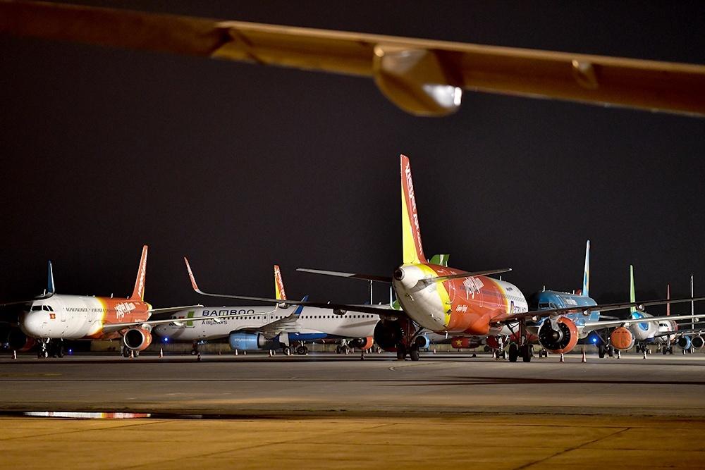 Khách giảm sốc, hàng loạt máy bay nằm 'đắp chiếu'