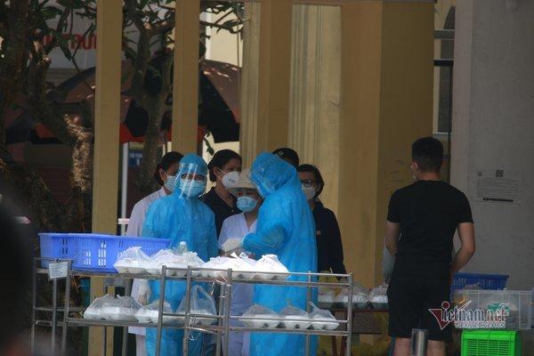 Phong tỏaBệnh viện Bắc Thăng Long vì người phụ nữ bán rau dương tính nCov