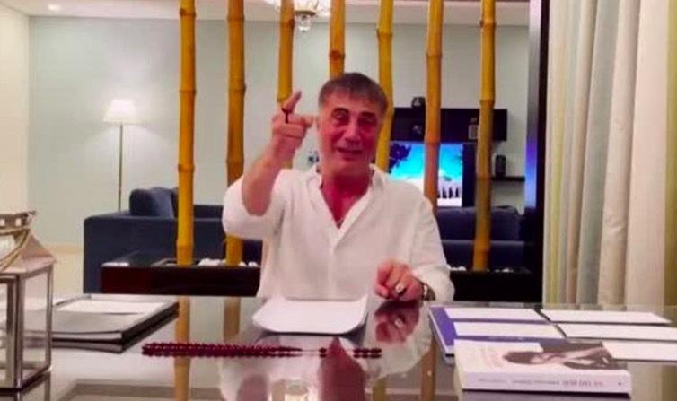 Trùm mafia bỗng dưng nổi tiếng nhờ loạt video 'bóc phốt'