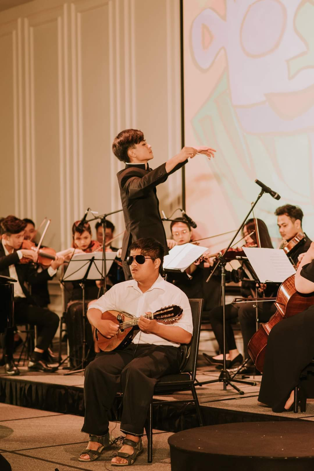 9x man sets up special symphony orchestra in Vietnam