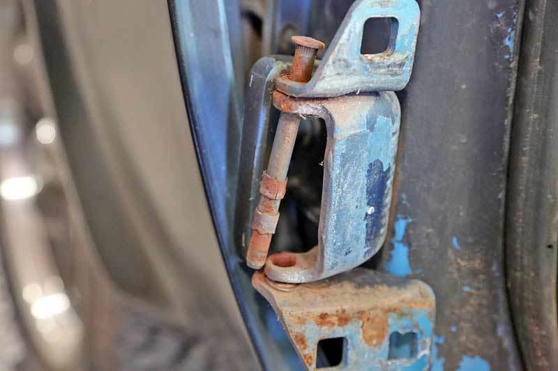 Bắt bệnh cửa ô tô không đóng, mở được