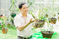 Vườn lan hàng trăm mét vuông của ông chủ 7x