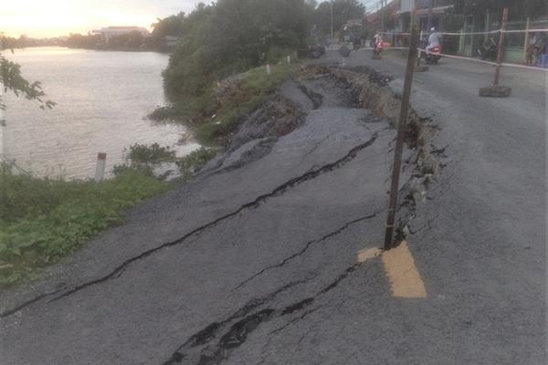 Rains renew Mekong Delta erosion threat