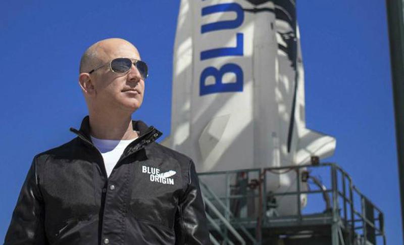 Tỷ phú Jeff Bezos sắp bay vào vũ trụ cùng em trai