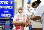 Số ca Covid-19 mới ở Malaysia giảm sâu, Thái Lan tiêm vắc xin diện rộng