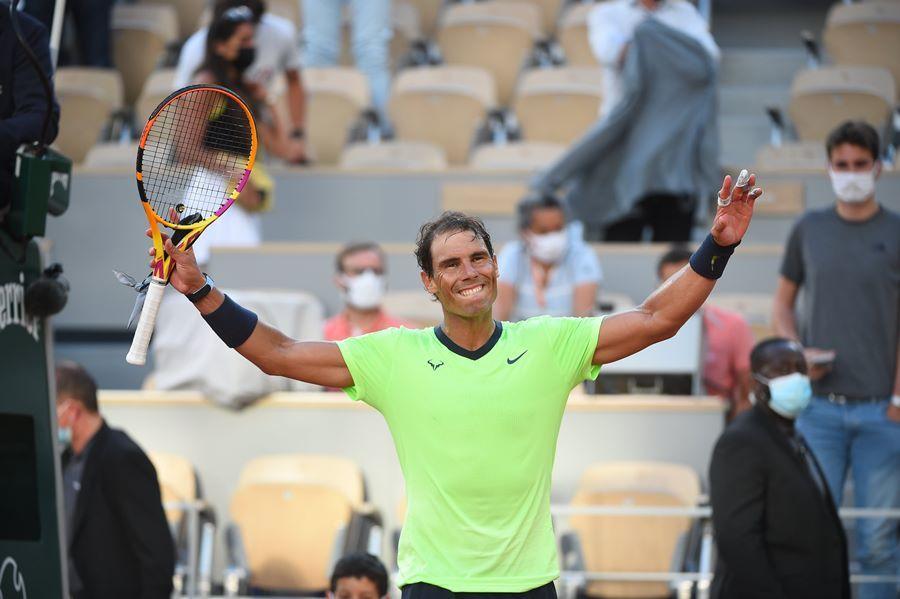 Nối gót Djokovic, Nadal vào tứ kết Roland Garros
