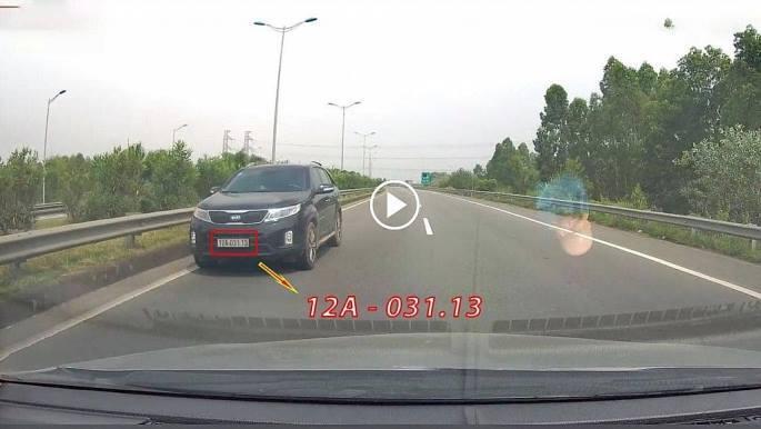 Xe con bất chấp nguy hiểm đi ngược chiều trên cao tốc Nội Bài – Lào Cai