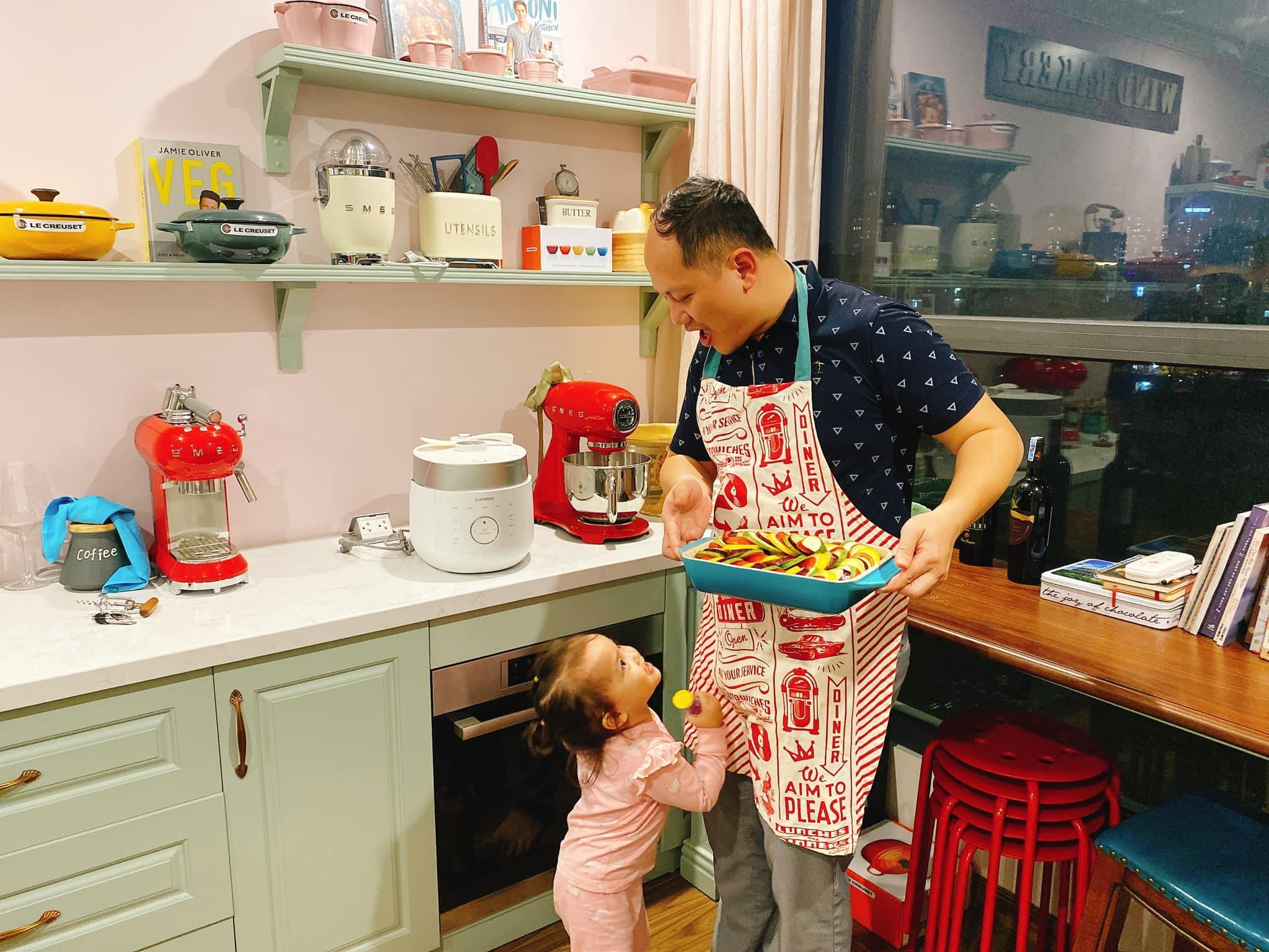 Đê mê trước ngôi nhà của người phụ nữ yêu bếp núc