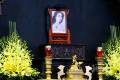 Người thân, bạn bè tiễn biệt Hoa hậu Thu Thủy