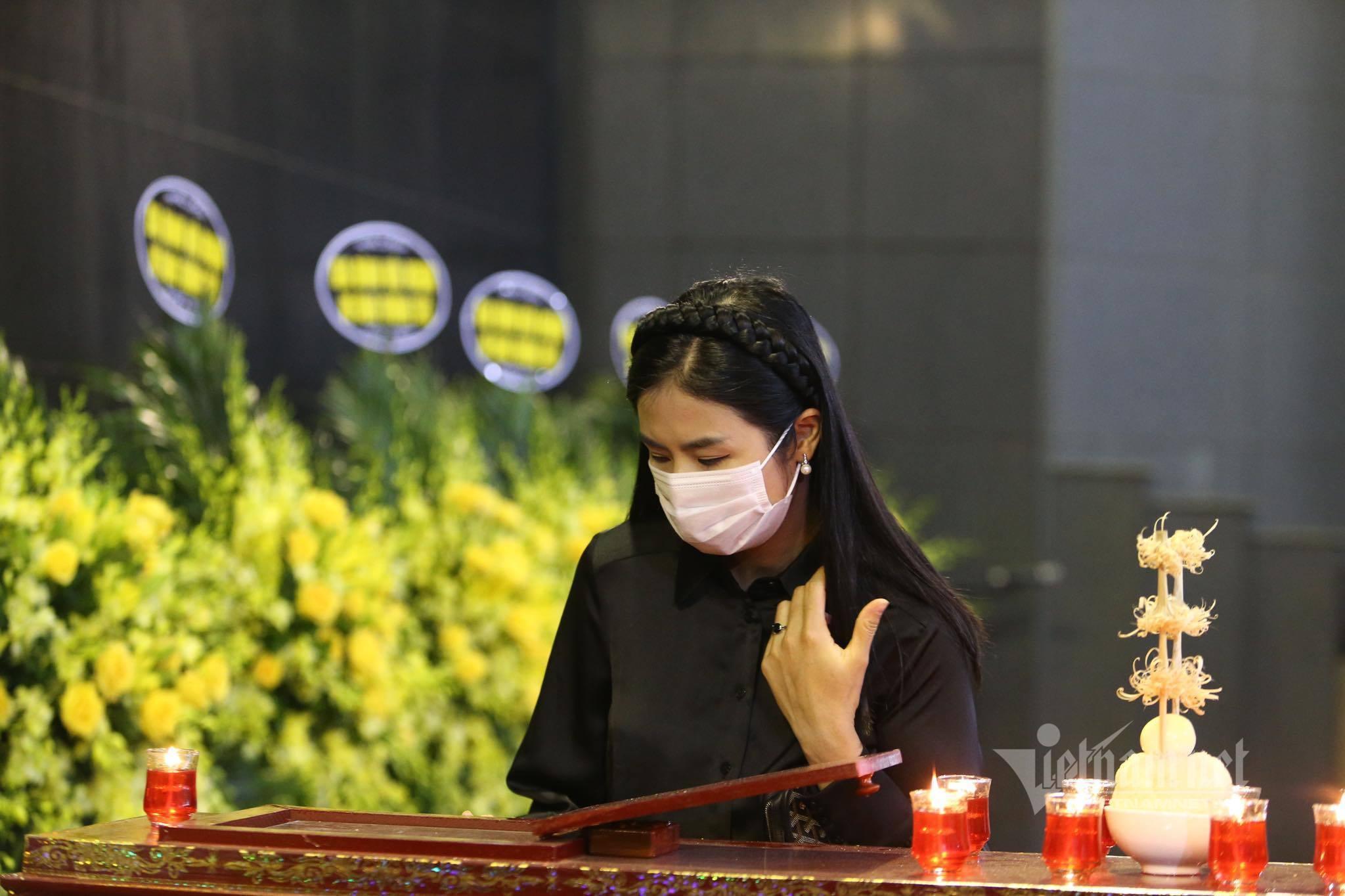 Mỹ Linh bàng hoàng và rất sợ khi nghe tin Hoa hậu Thu Thủy mất