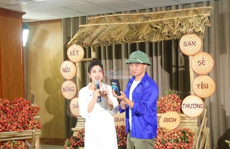 Bí thư Đoàn cùng Xuân Bắc livestream bán nông sản, chốt 1.600 đơn sau nửa tiếng