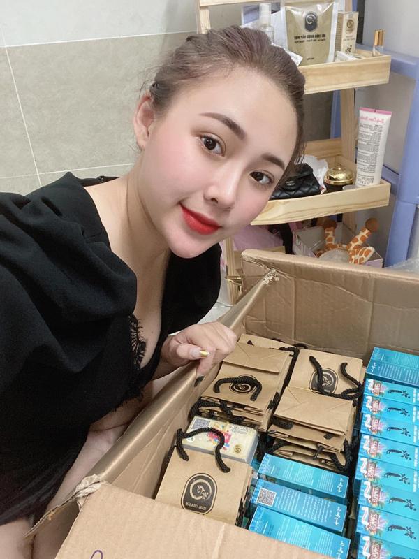 Bí quyết hút khách của cô chủ shop Ngọc Thi Cosmetic