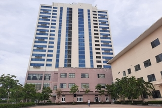 Rơi từ tầng 17 khách sạn, Trưởng phòng điện lực Tam Kỳ tử vong