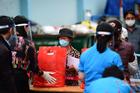 Tiêm chủng trước cho virus trì trệ, quan liêu