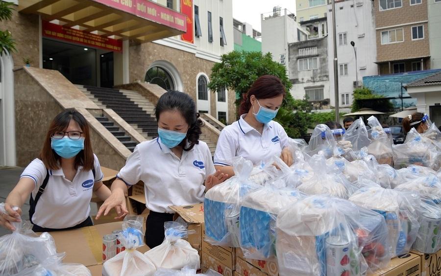 TP.HCM tiếp nhận 99 tỷ đồng góp quỹ mua vắc xin và phòng chống dịch Covid-19