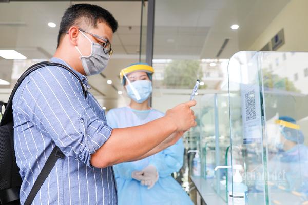 Thực hiện nguyên tắc chống dịch mới: '5K cộng vắc xin và công nghệ'
