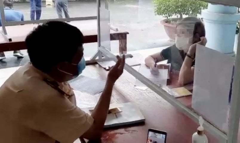 Nữ tài xế đi ngược chiều trên cao tốc Nội Bài- Lào Cai bị phạt 17 triệu