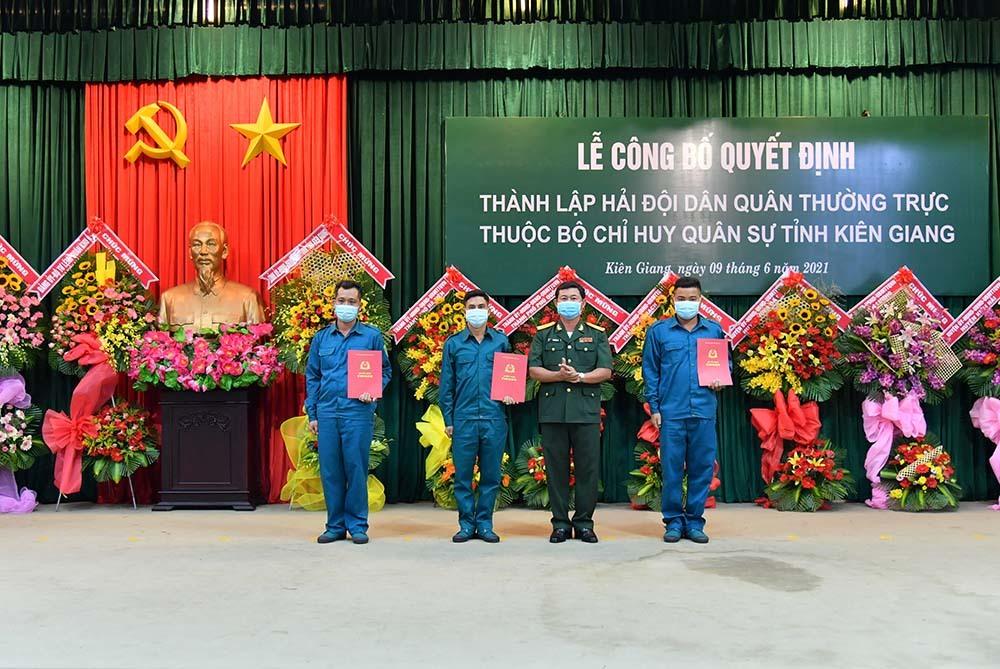 Thành lập Hải đội dân quân thường trực đầu tiên ở Đồng bằng sông Cửu Long