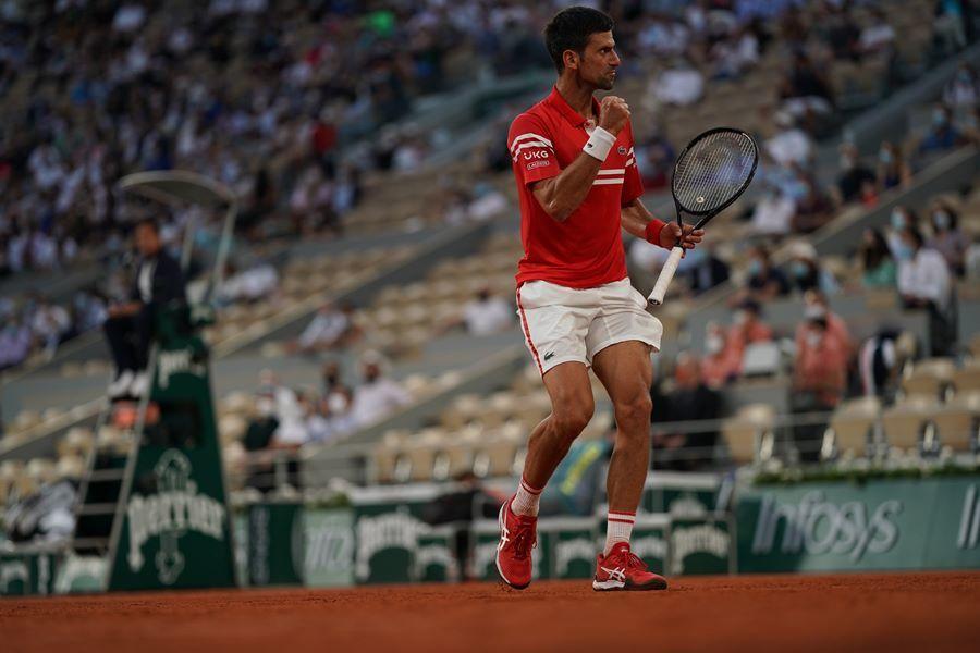 Thắng nghẹt thở, Djokovic đại chiến Nadal ở bán kết