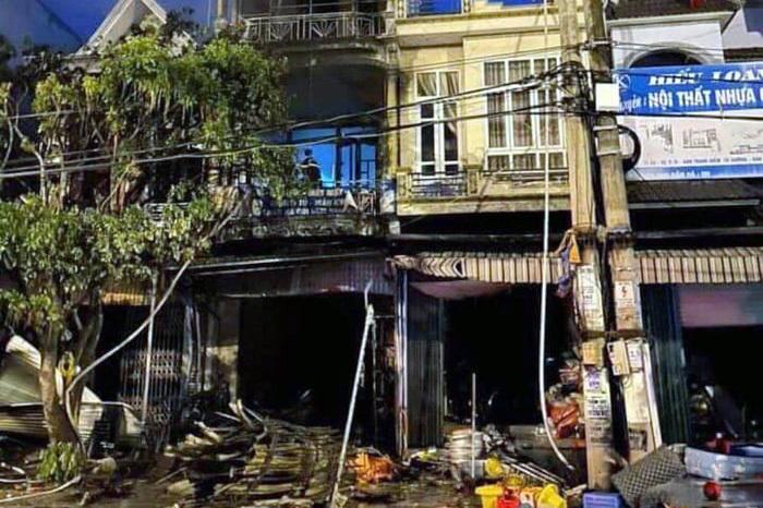 Nhà 4 tầng ở Quảng Ninh cháy lúc rạng sáng, 1 người tử vong