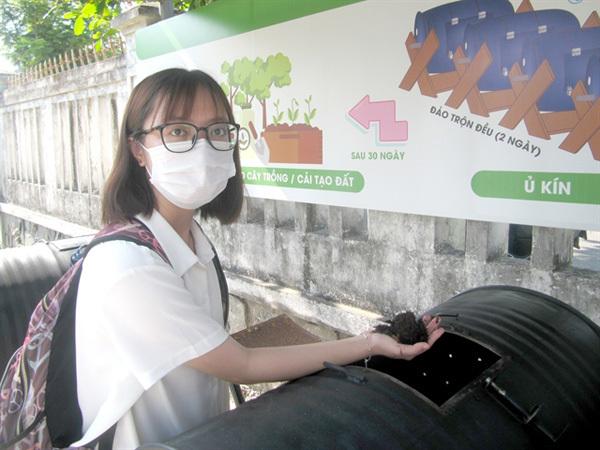 'Green' school promotes waste value