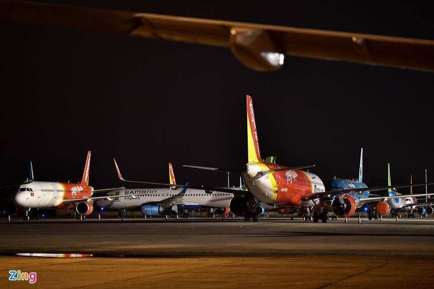 Dòng tiền cạn dần, hàng không cần hơn 1 tỷ USD tăng lực