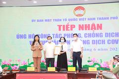Gia đình nguyên Bí thư Hà Nội Phạm Quang Nghị ủng hộ 100 triệu đồng vào Quỹ vắc xin